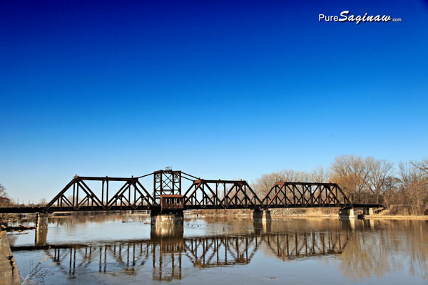 train bridge saginaw michigan