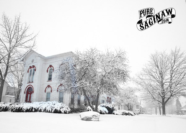 court street house snow